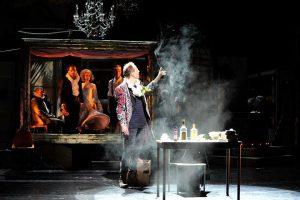 Unser Dozent Michael Meichßner spielt am Theater Würzburg